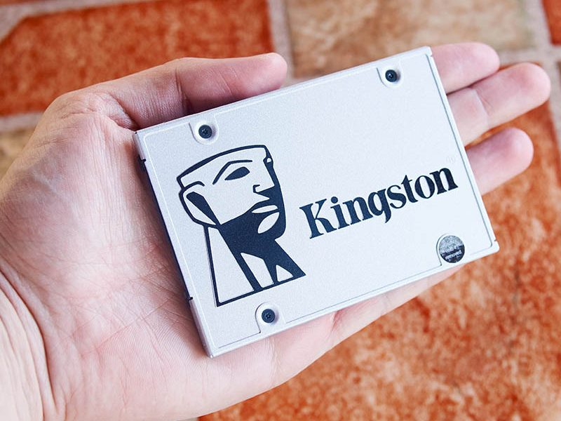 Kingston UV400 - 480 GB (2)