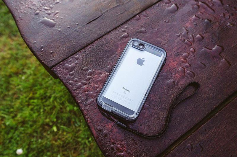Catalyst iPhone SE (4)