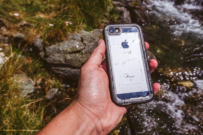 Catalyst iPhone SE (6)