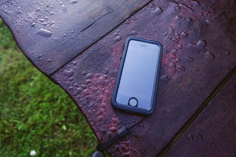 Catalyst iPhone SE (8)