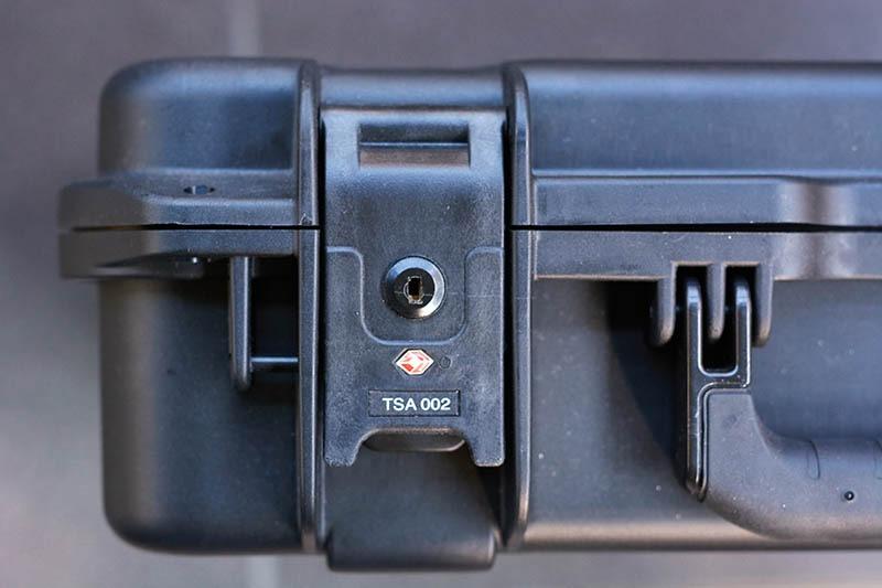 SKB iSeries 1813-5 (2)