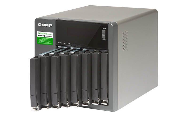 QNAP  TVS-882ST3 (1)