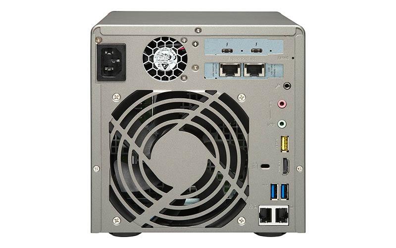 QNAP  TVS-882ST3 (3)