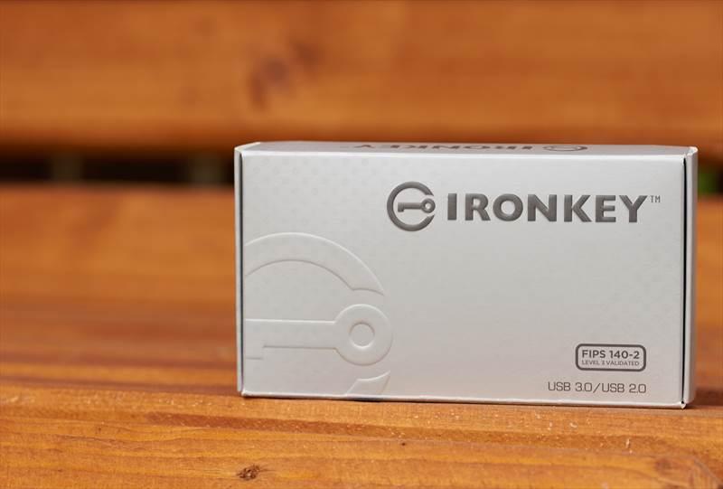 Kingston IronKey S1000 (2)