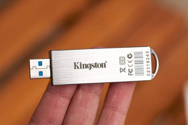 Kingston IronKey S1000 (8)